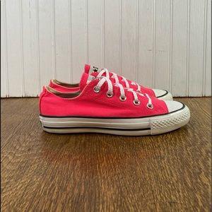 Converse CTAS Low Women 6 Mens 4 Neon Pink